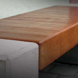 Betonová lavička Miaki